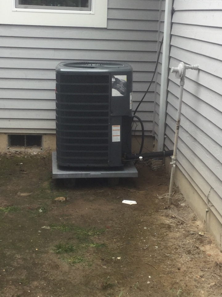 Monroe, WA - Replacing a compressor on a Goodman heat pump in Monroe, WA