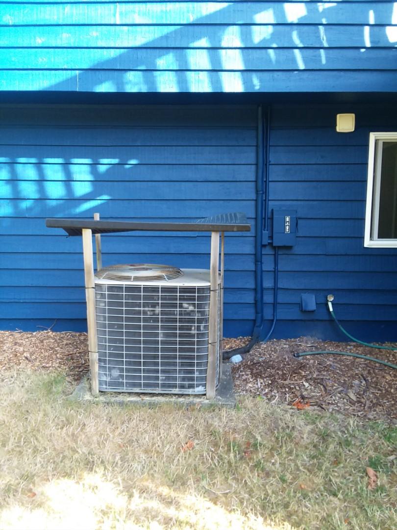 Edmonds, WA - Repairing Coleman heat pump in Edmonds.
