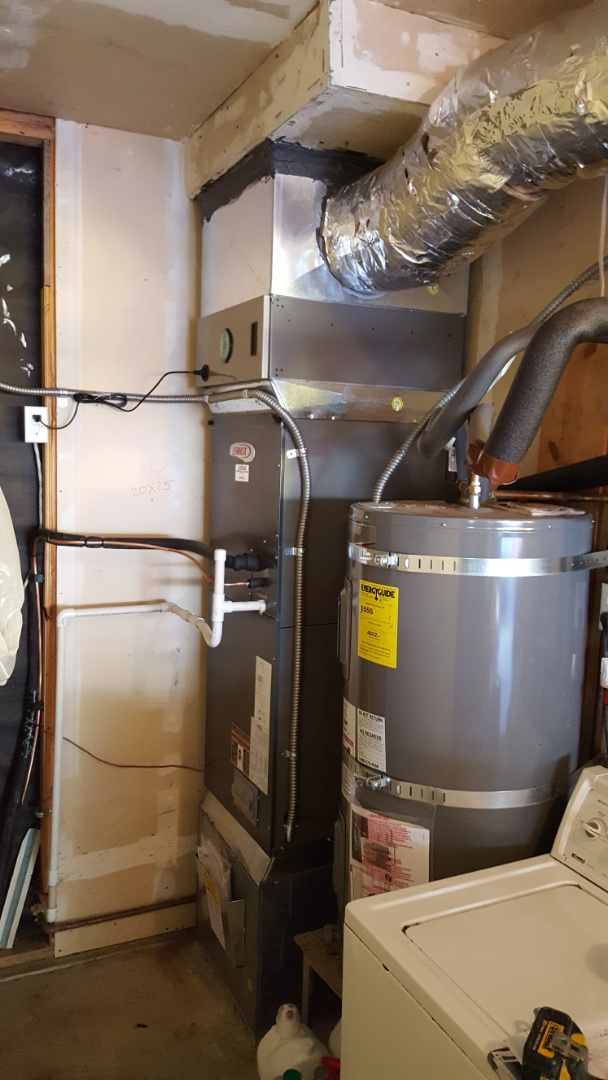Lake Stevens, WA - Just finished installing a Lennox high efficiency heat pump for customers in Snohomish today happy to have more efficient Heating and Cooling installed in their home