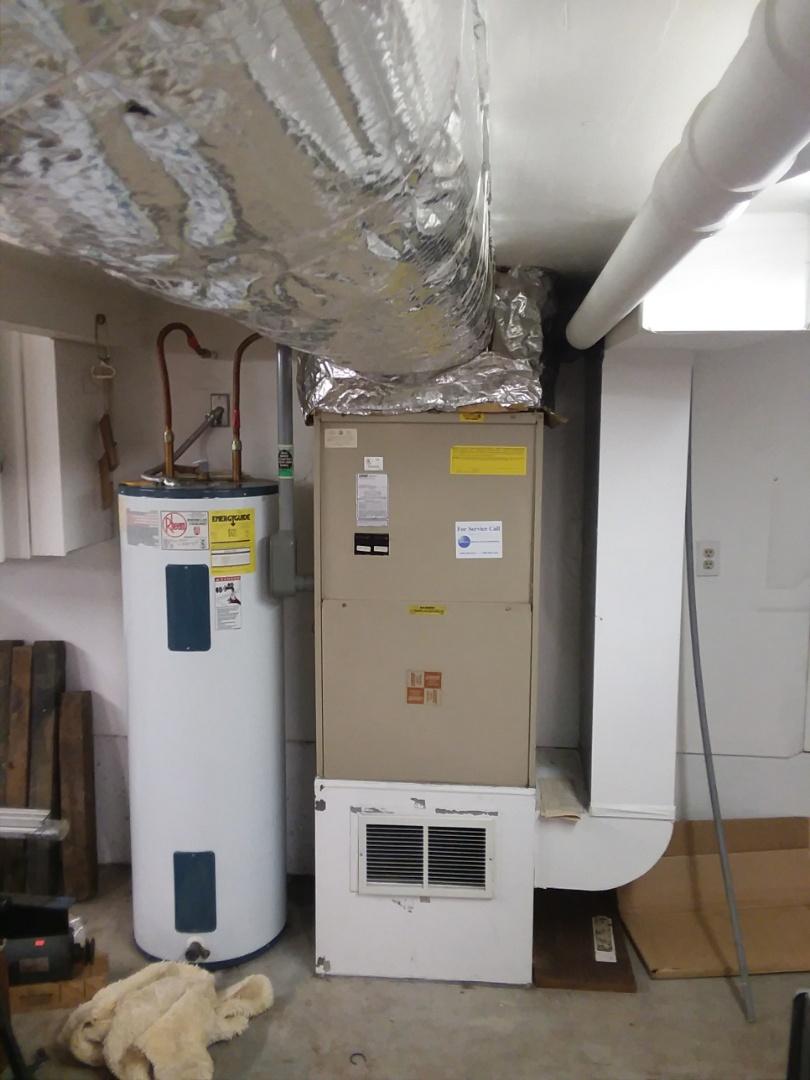 Shoreline, WA - Installation of Lennox Heat Pump in Shoreline