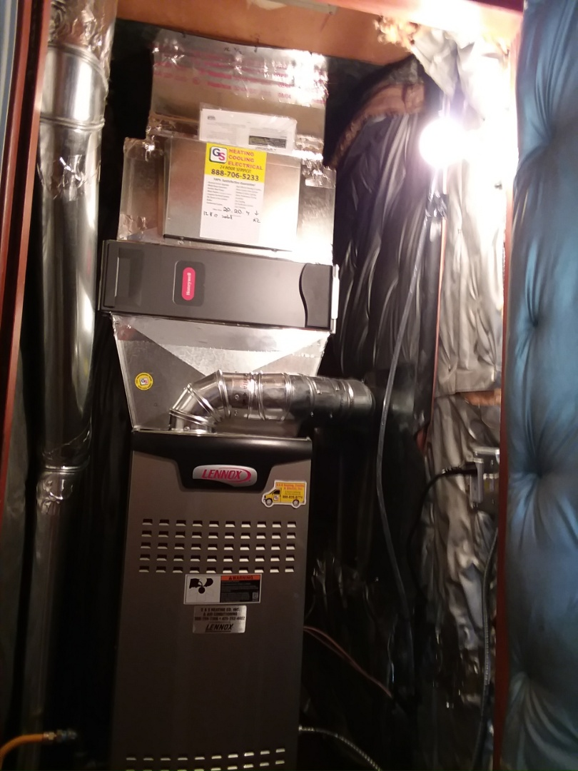 Shoreline, WA - Lennox air conditioner, gas furnace and tankless water heater install