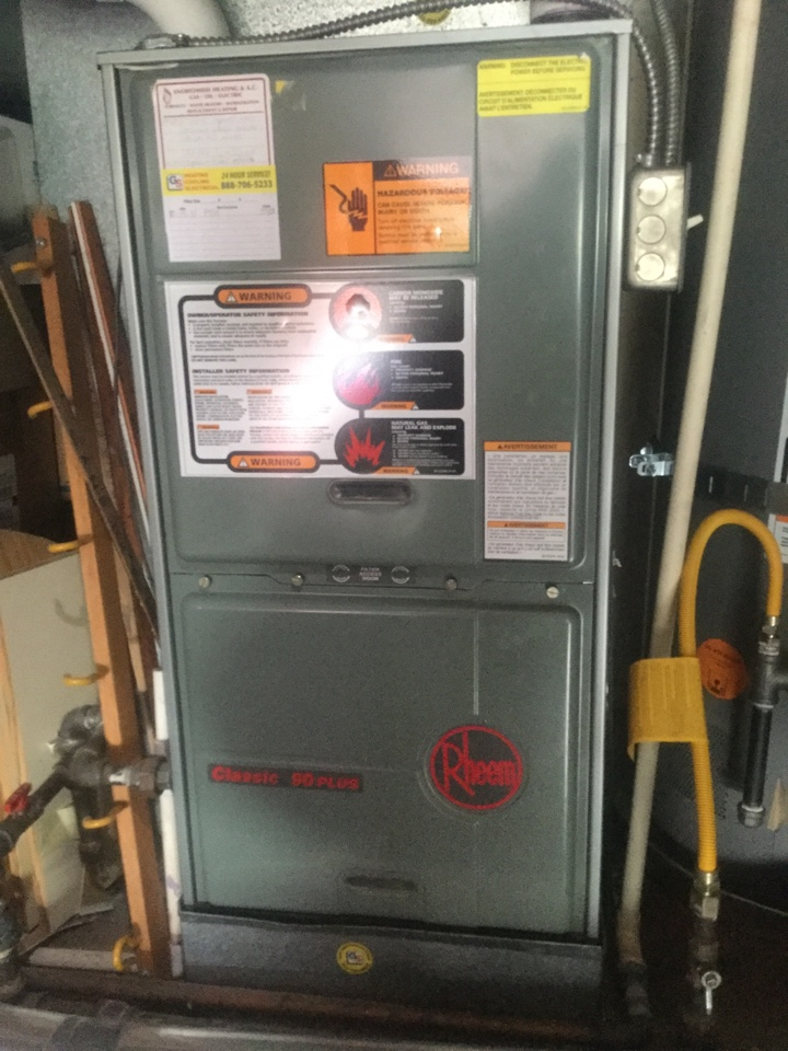 Bothell, WA - Performed routine maintenance on a Rheem gas furnace in Bothell WA