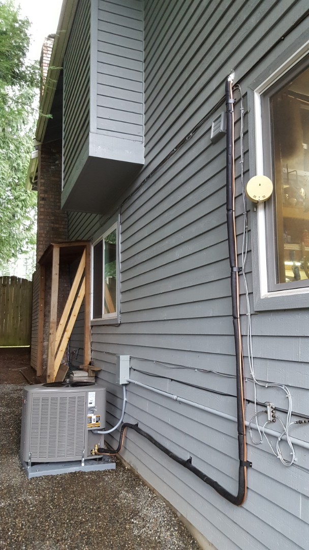 Mukilteo, WA - Just finished Lennox air conditioning add-on for customer in Mukilteo today happy to have efficient air conditioning installed