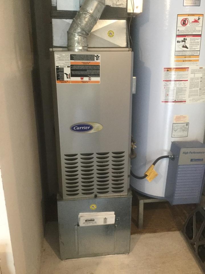 Mukilteo, WA - Performed routine maintenance on a Carrier gas furnace in Mukilteo WA