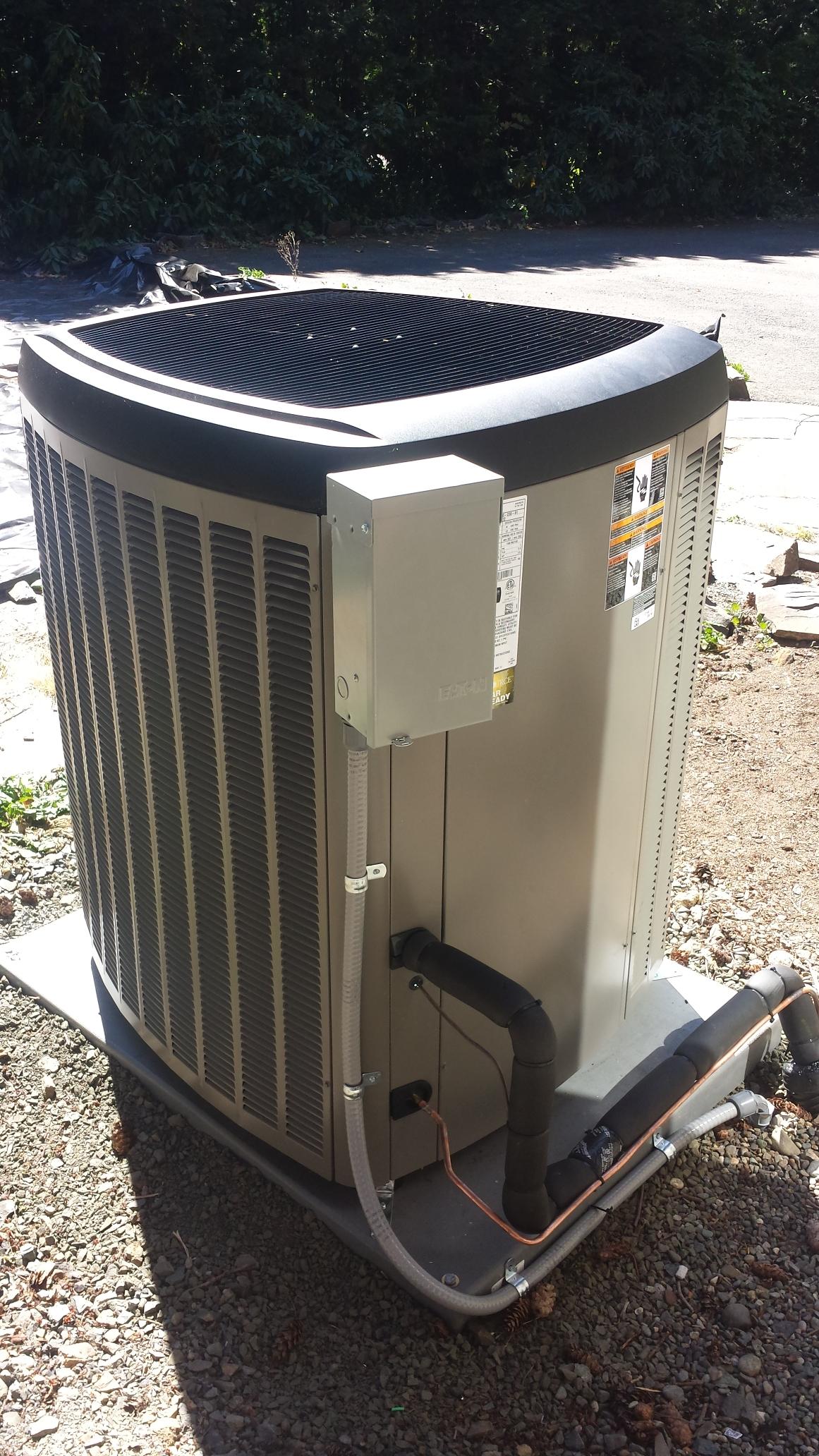 Edmonds, WA - Competed a warranty repair on a Lennox heat pump in Edmonds