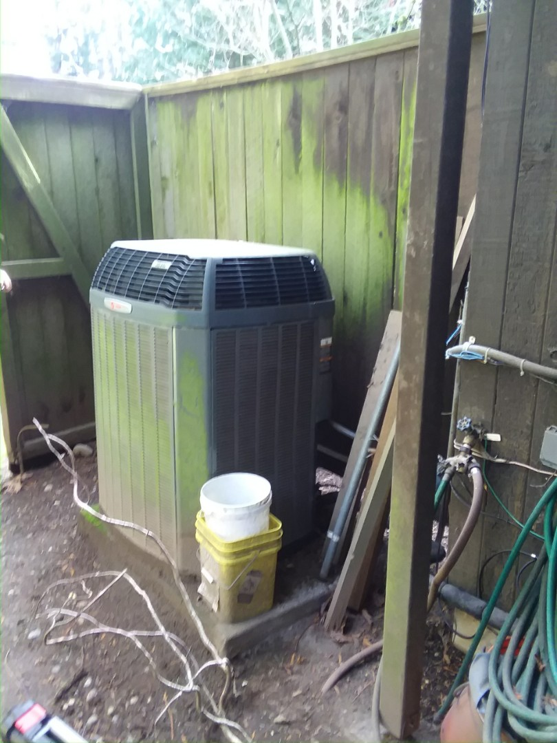 Mukilteo, WA - Providing an estimate in Edmonds to replace this Trane heat pump that is only 10 years old with a new Lennox heat pump system in Edmonds.