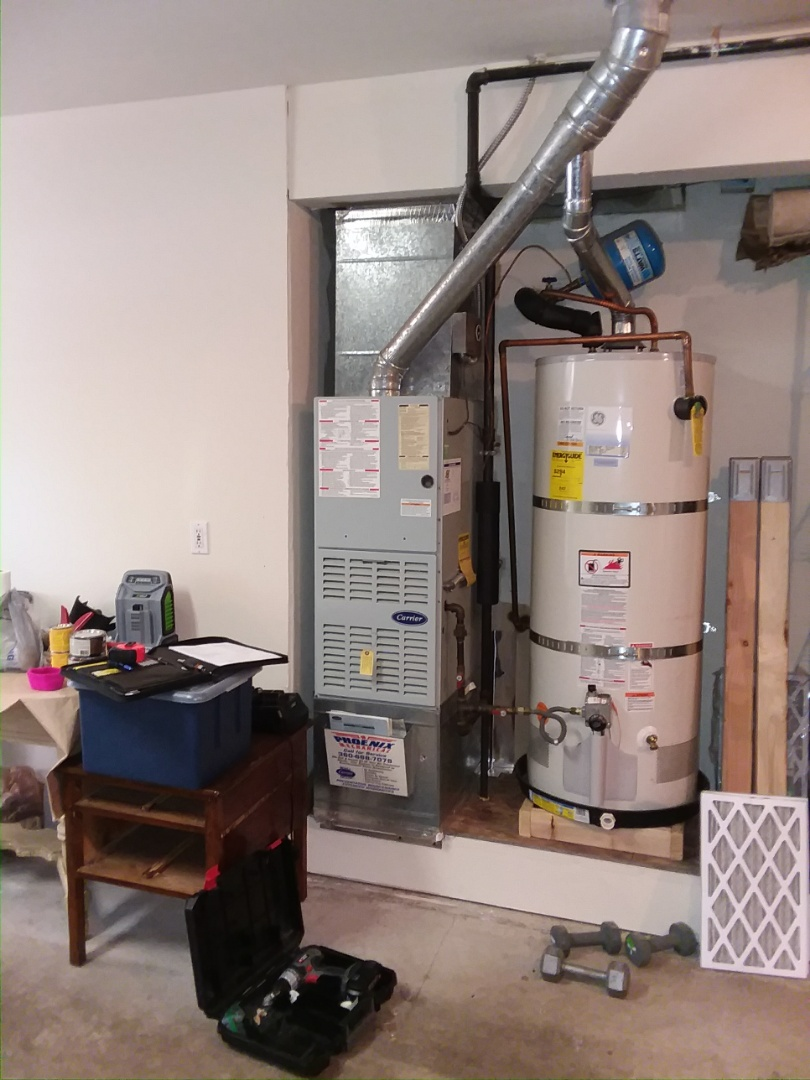 Mukilteo, WA - Providing an estimate to install a new Lennox Elite Srries variable speed system in Mukilteo.