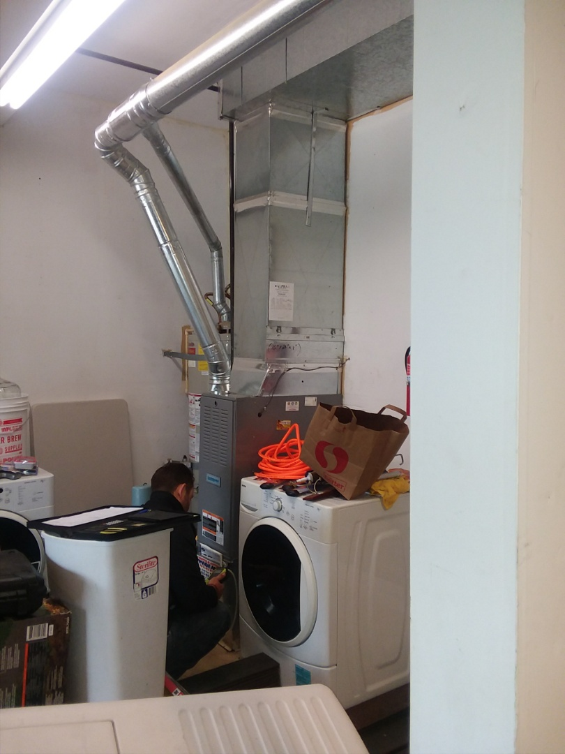Snohomish, WA - Installing Lennox Merit Series 13ACX air conditioning in Snohomish.