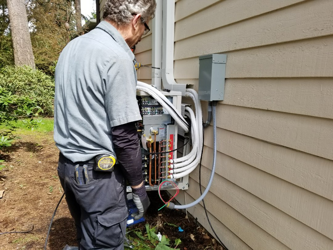 Bothell, WA - Electrical install of new heat pump