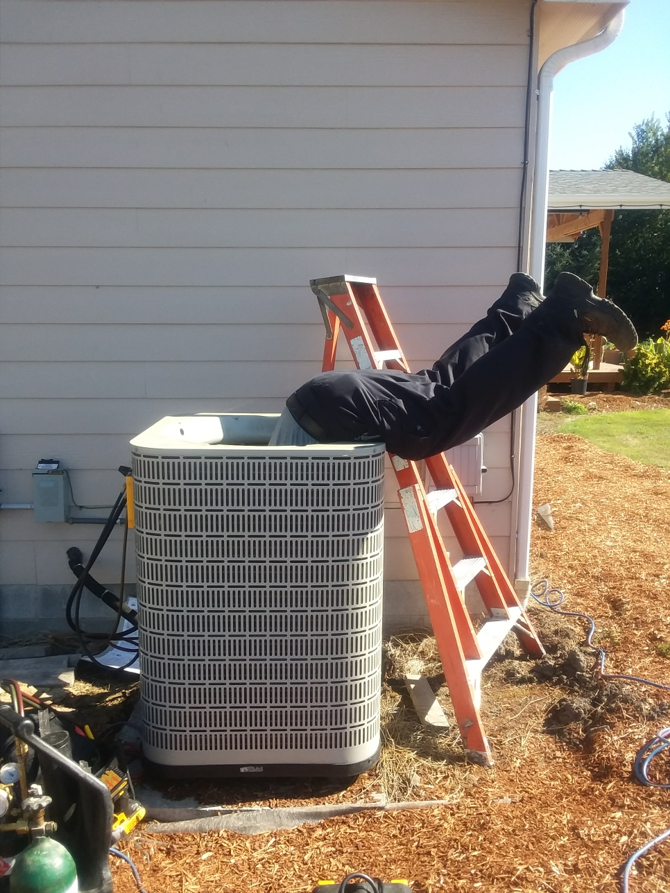 Bothell, WA - Diagnosed a failed compressor on a Lennox heat pump in Bothell.