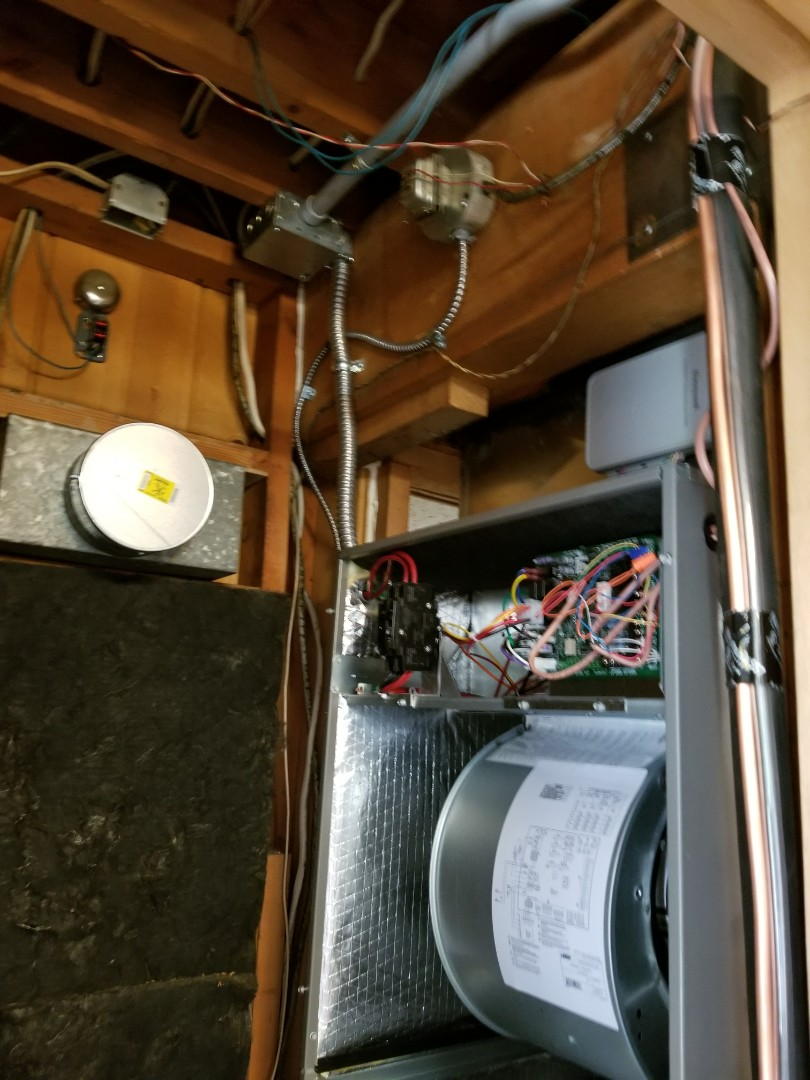 Edmonds, WA - Electrical install of new furnace and heat pump