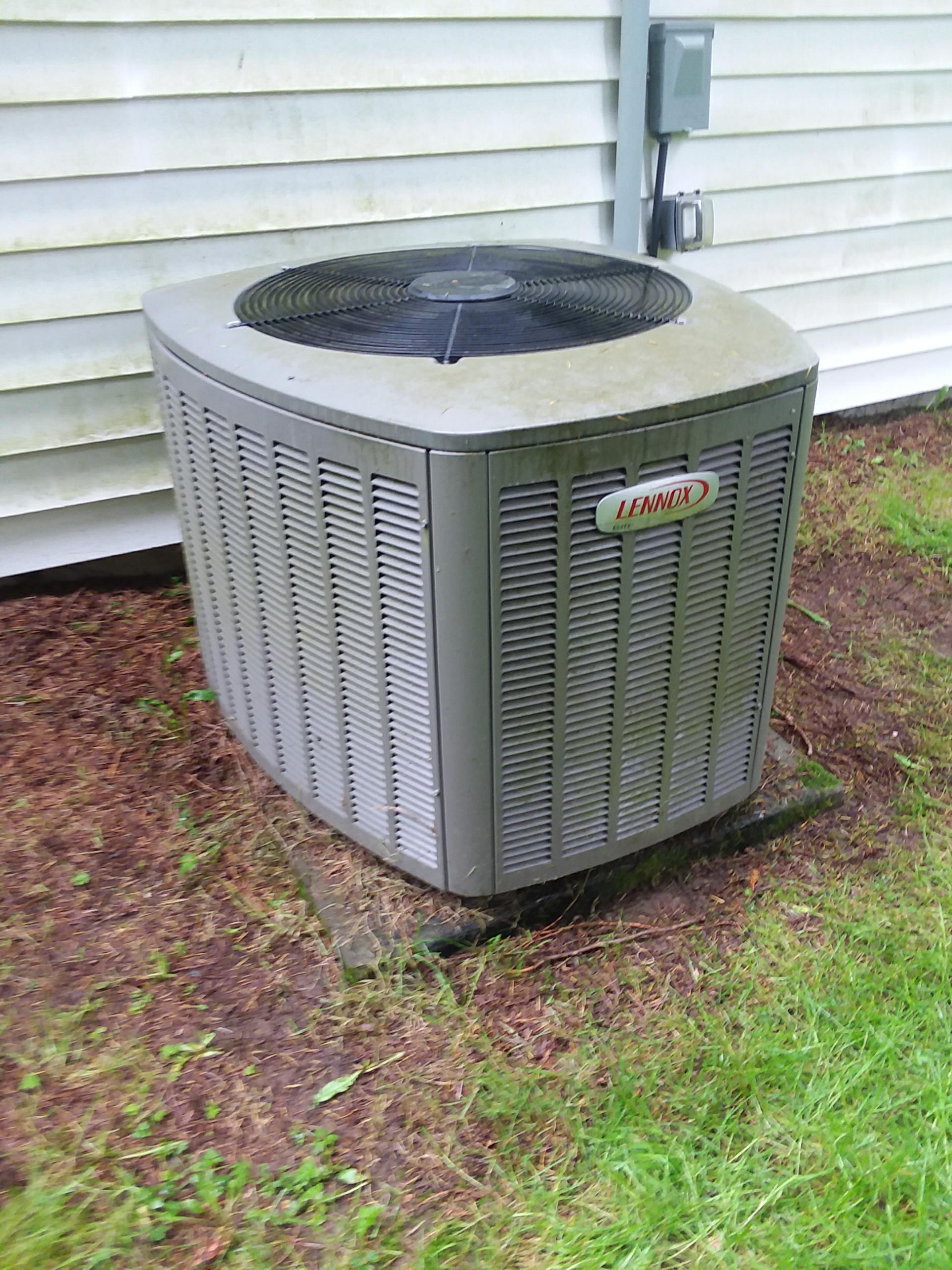 Monroe, WA - Completed maintenance on a Lennox heat pump in Monroe. 6th