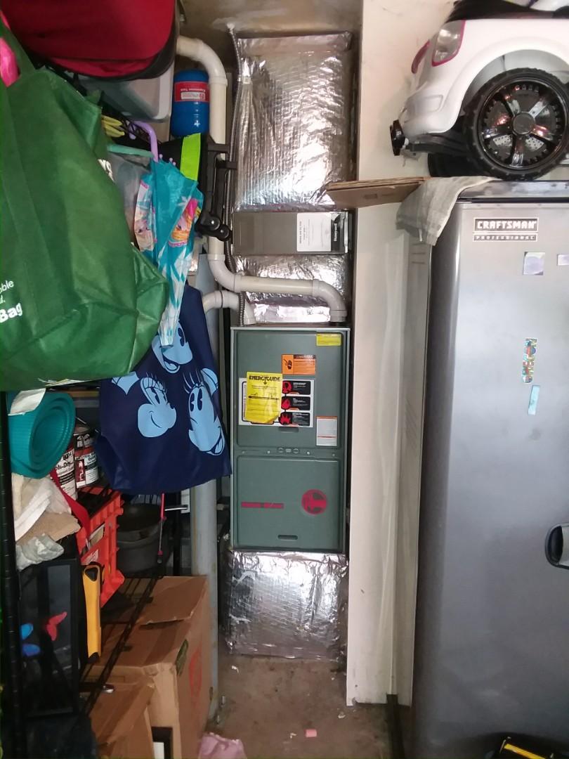 Marysville, WA - Providing an estimate to install a Lennox Elite Series EL16 air conditioner in Marysville.