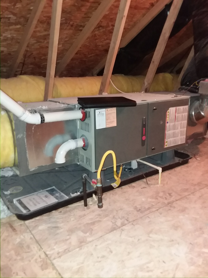 Lynnwood, WA - Providing an estimate for the installation of a Lennox Elite Series XC13 air conditioner in Lynnwood.