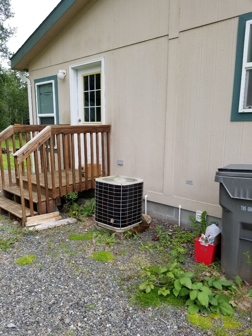 Lake Stevens, WA - Providing an estimate to install a Lennox heat pump in Lake Stevens.