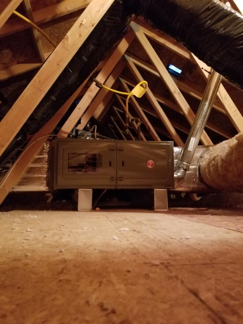 Marysville, WA - Providing an estimate to install a Lennox Elite Series Xc13 air conditioner in Marysville.