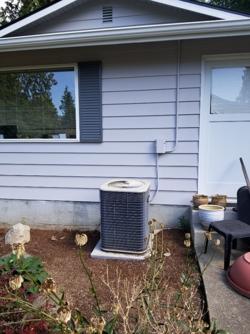 Edmonds, WA - Providing an estimate to install a Lennox Elite Series EL16 air conditioner in Edmonds.