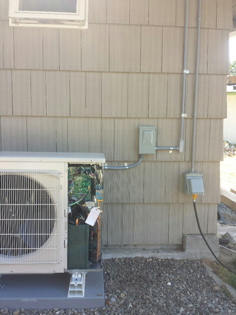Mountlake Terrace, WA - We are installing a 25a circuit for a brand new Lennox Ductless Heat Pump.