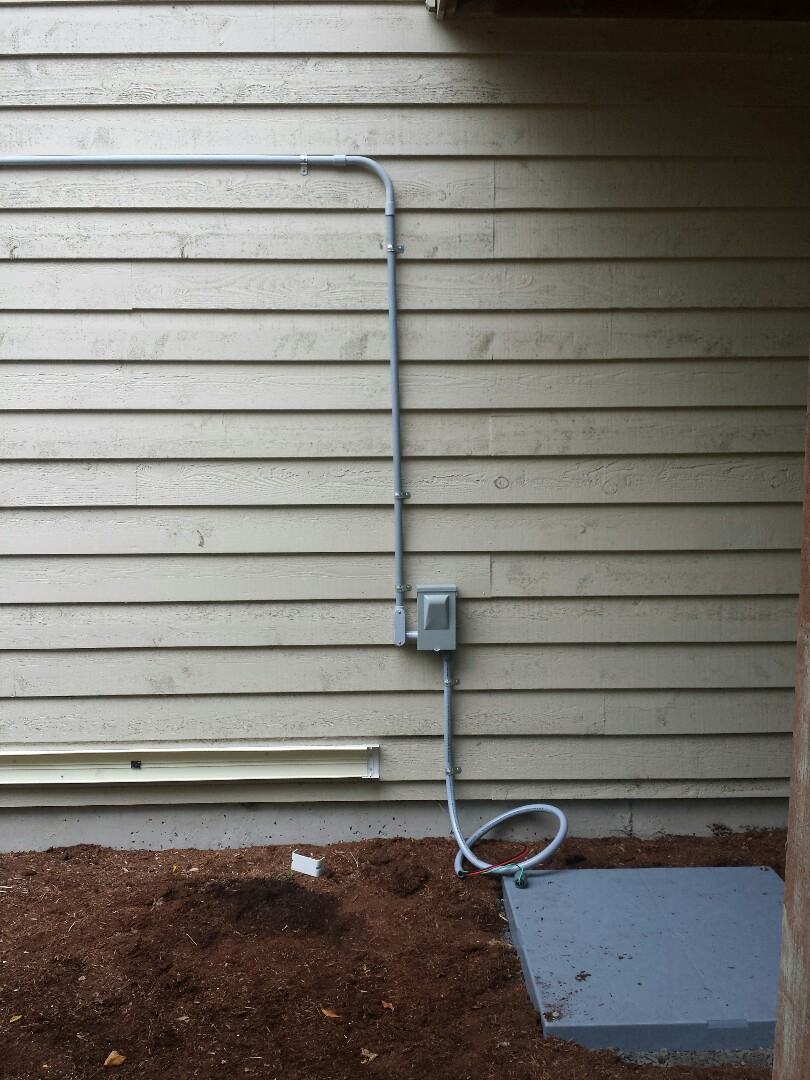 Mukilteo, WA - We are installing a 60 foot PVC pipe run for a 40 amp Lennox Air Conditioner.