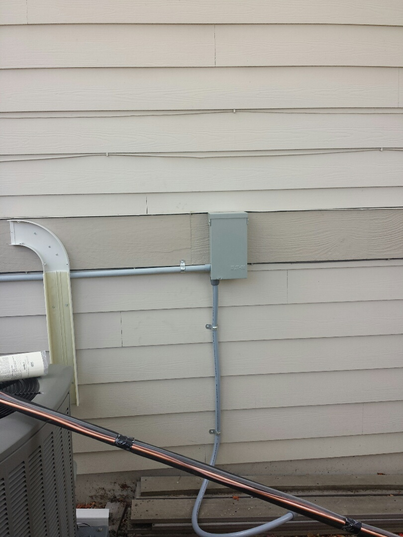 Mukilteo, WA - We are installing a 40 foot 30 amp circuit for a brand new Lennox Air Conditioner.