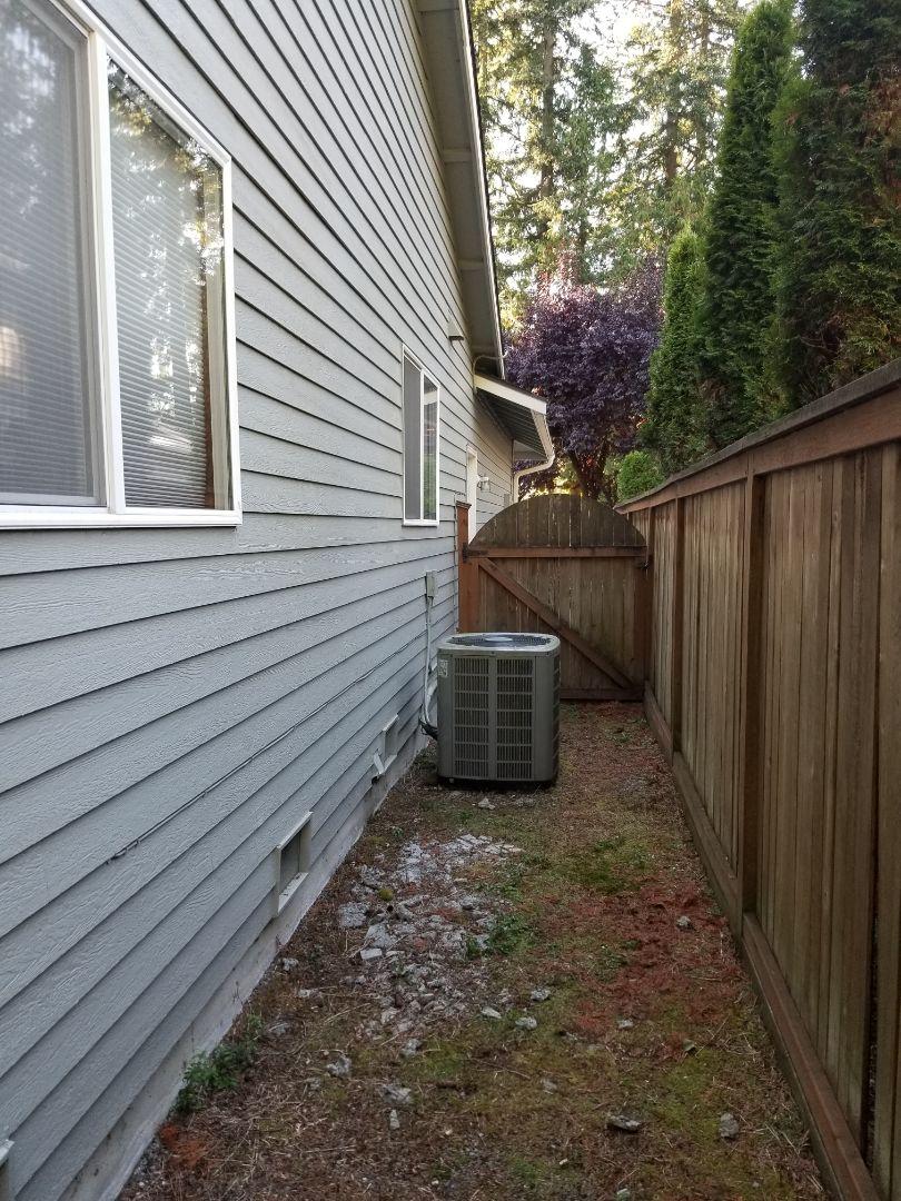 Edmonds, WA - Providing an estimate to install a Lennox Elite Series EL16 air conditioner in Everett.