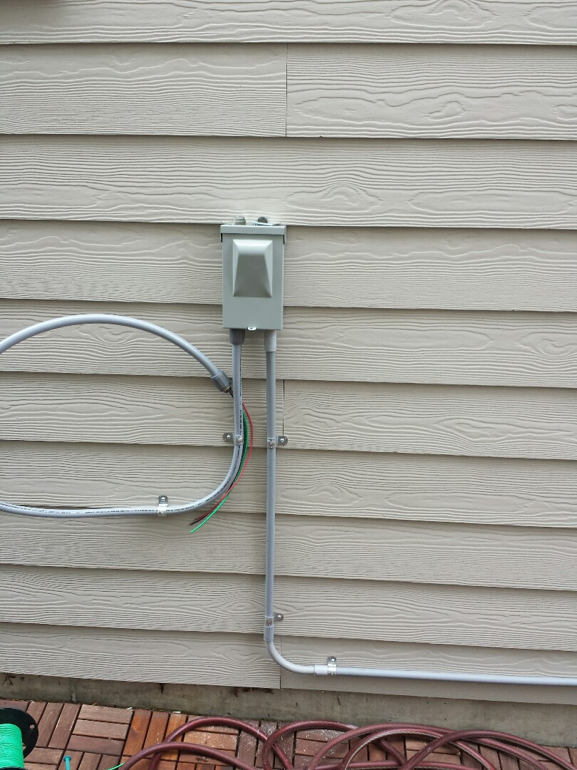 Lynnwood, WA - We are installing a 25 amp electrical circuit for a brand new Lennox Ductless Heat Pump.