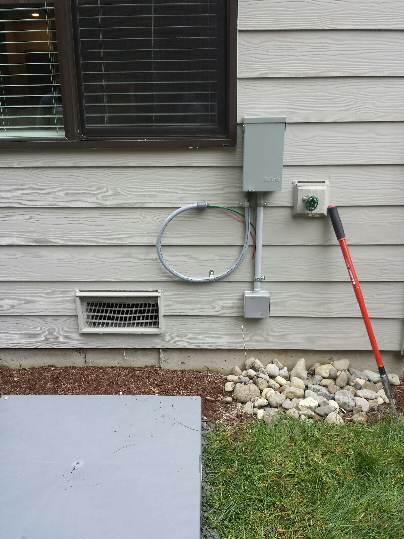 Bothell, WA - We are installing a brand new 30 amp electrical circuit for a brand new Lennox Air Conditoner.