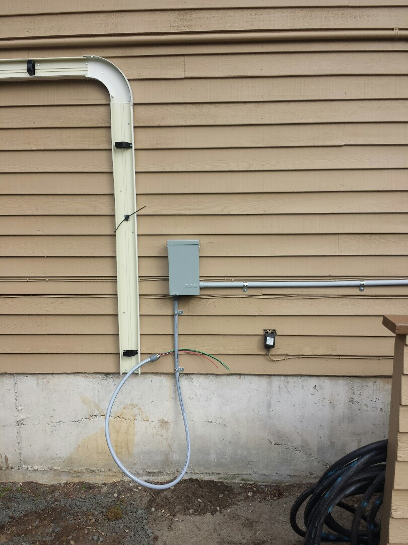 Brier, WA - We are installing a dedicated 30 amp electrical circuit for a brand new Lennox 3 ton Air Conditioner.