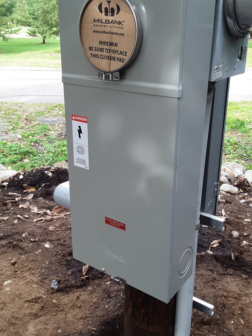 Lake Stevens, WA - Installing a new 320 amp service upgrade. Adding a new Square D QO 200 amp feed through outdoor panel. Running two new circuits for home automation gates