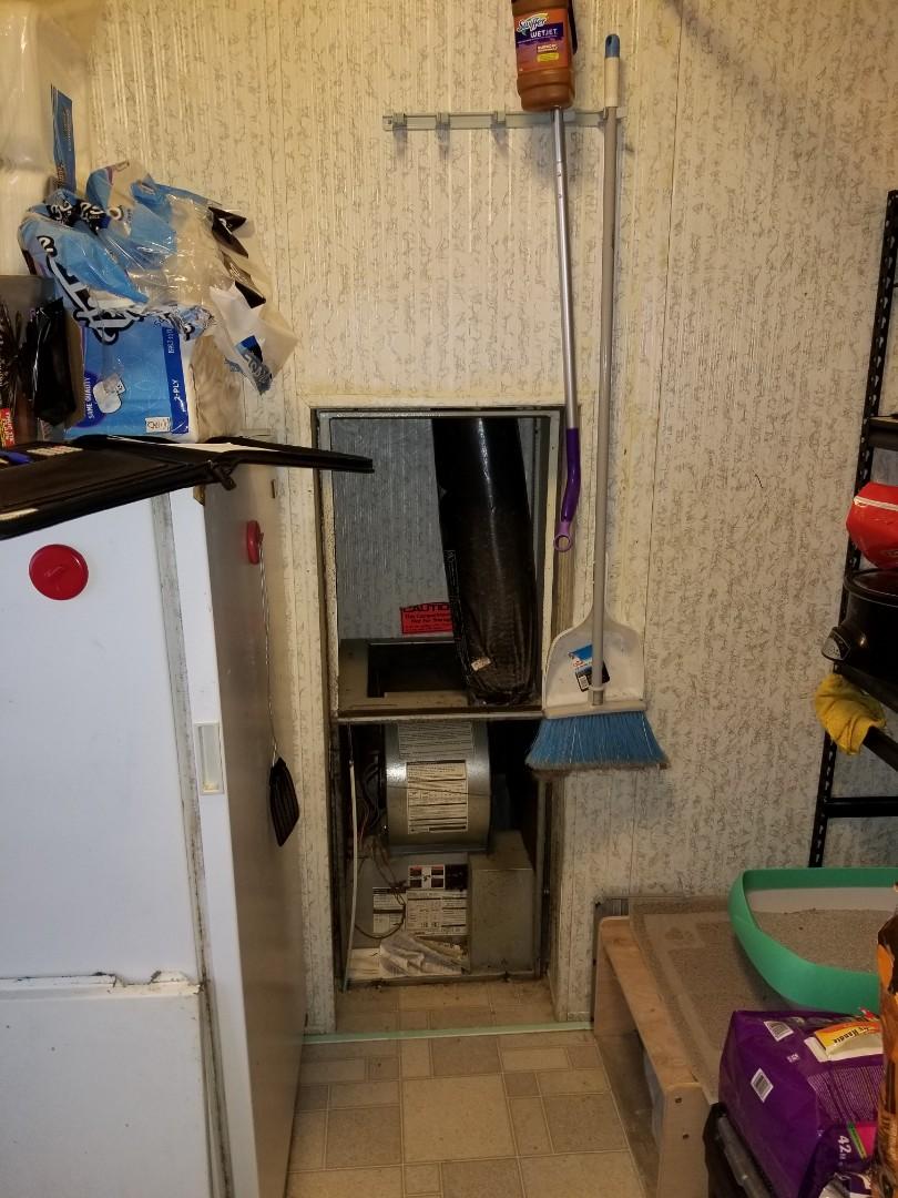 Marysville, WA - Providing an estimate to install a Lennox Signature Series SL18XP1 heat pump in Marysville.