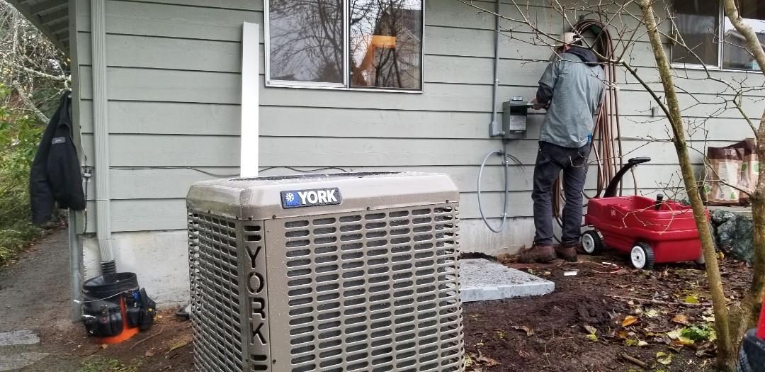 Lynnwood, WA - Electrical install new heat pump