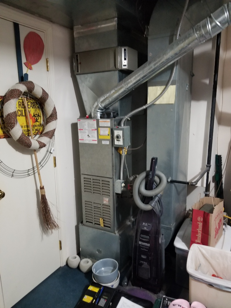 Bothell, WA - Providing an estimate to install a Lennox Elite Series furnace in Marysville.