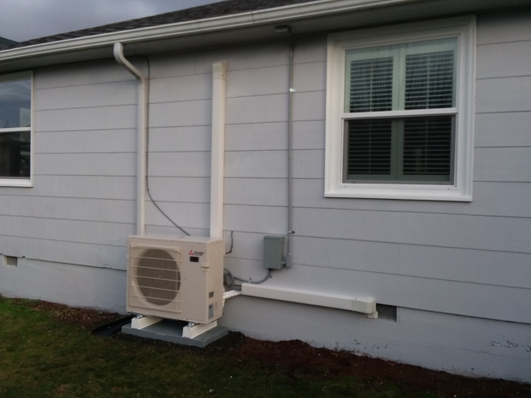 Camano Island, WA - Just finished installing a double head Mitsubishi mini split heat pump system for customer in Camano Island today happy to have more efficient Heating and Cooling