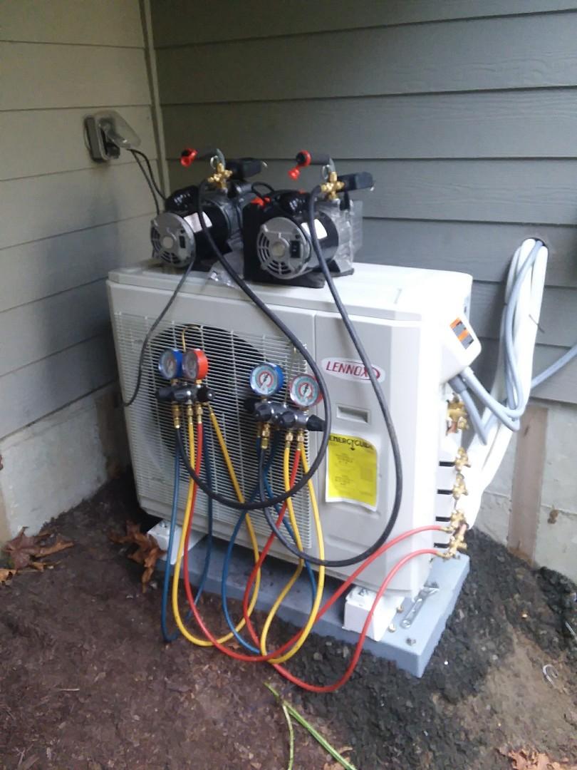 Lynnwood, WA - Pump down time on a two head mini split ductless heat pump!