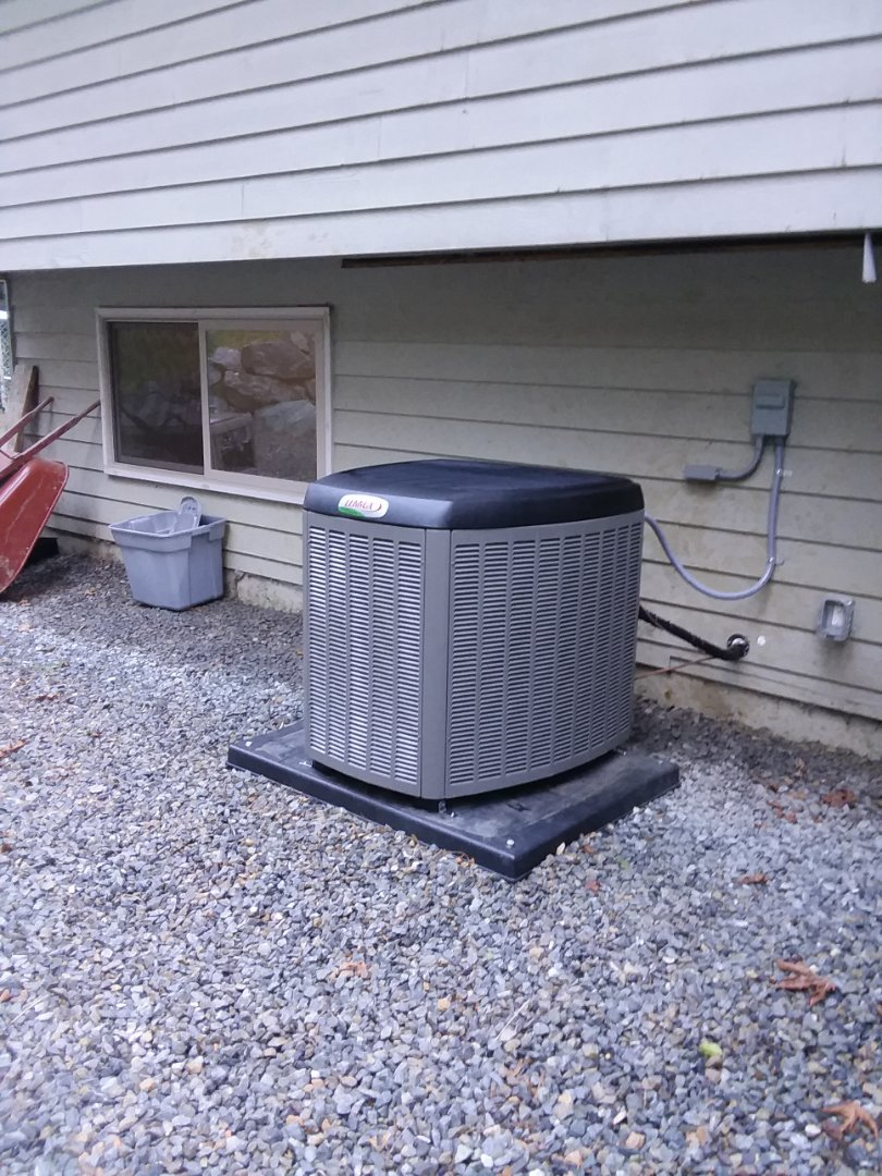 Lake Stevens, WA - Just finished installation of a Lennox single stage heat pump customers happy to have more efficient Heating and Cooling in home