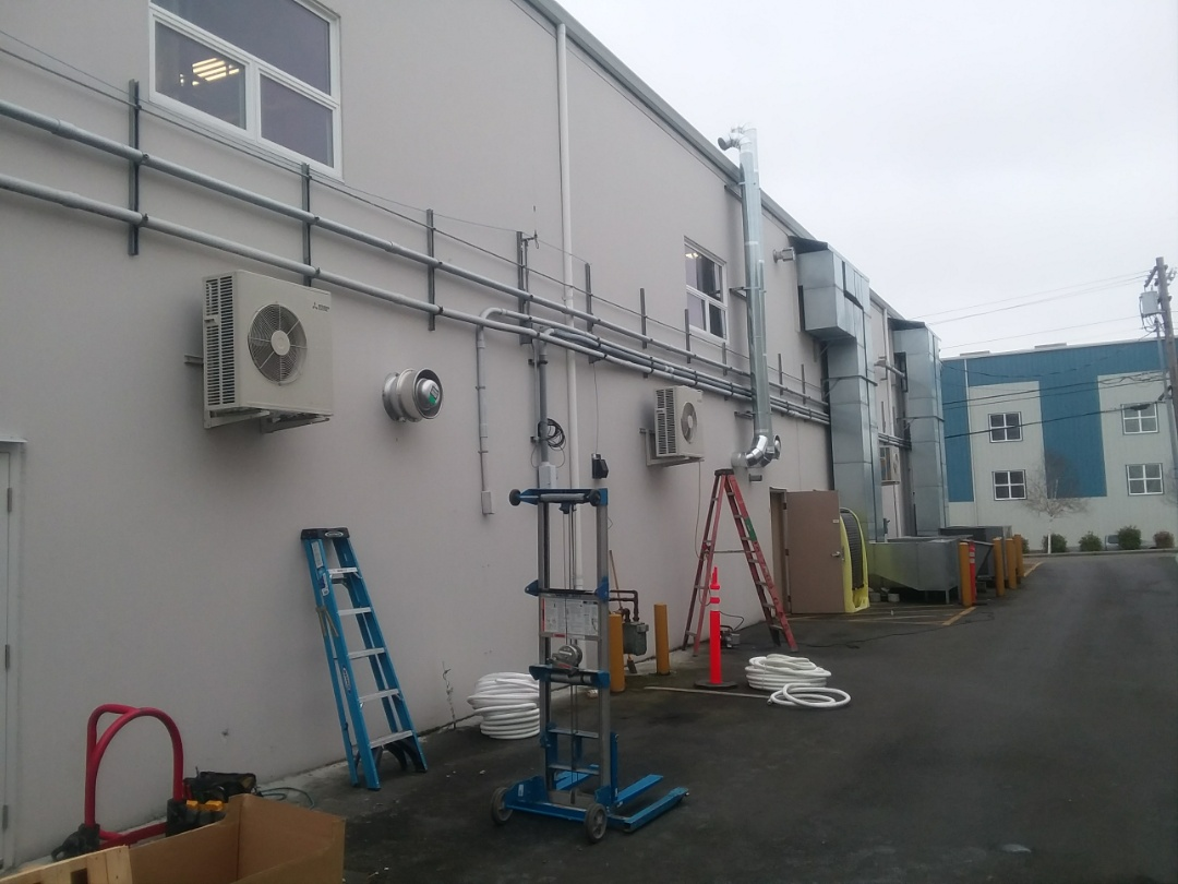 Mukilteo, WA - 3 outdoor units, hung and done!