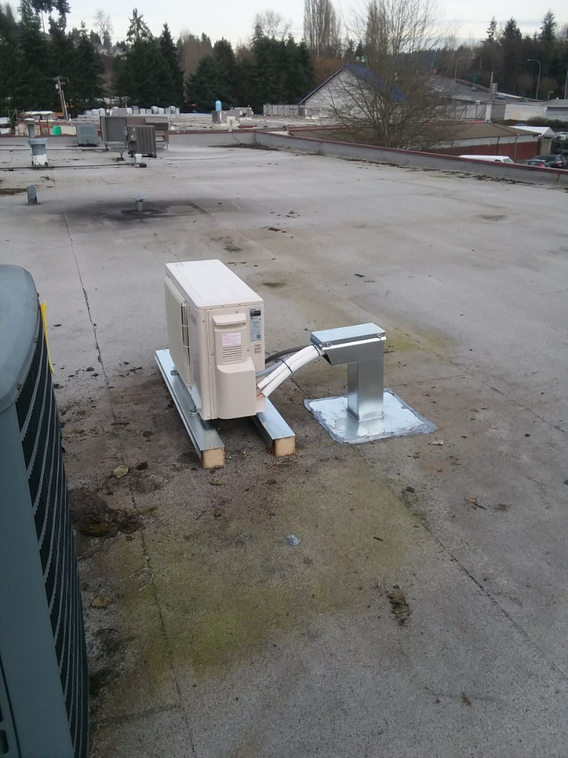 Woodinville, WA - Roof top mini split