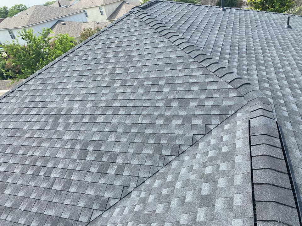 San Antonio, TX - Replaced this homeowners roof with a GAF Timberline HDZ Charcoal colored roofing system.