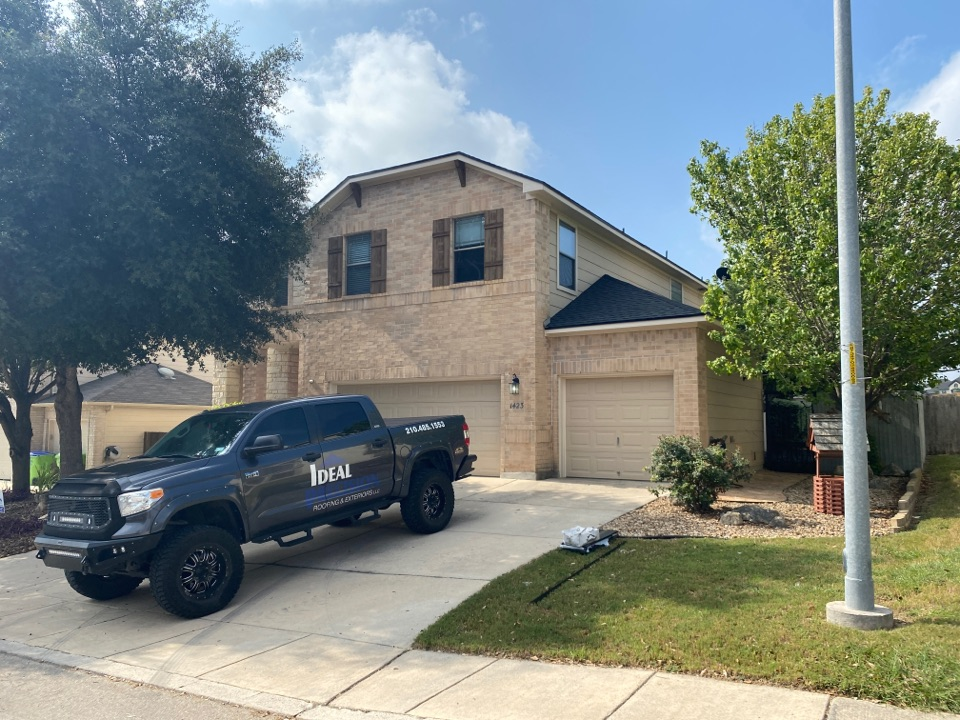San Antonio, TX - Brand new GAF HDZ Charcoal roof on the far west side!  Another pretty roof from Team Ideal!!