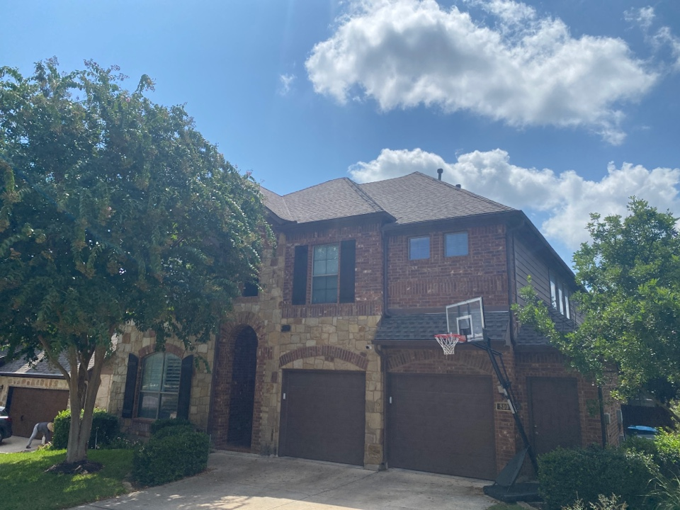 San Antonio, TX - New roof replacement in Stone Oak! GAF HDZ at its finest!