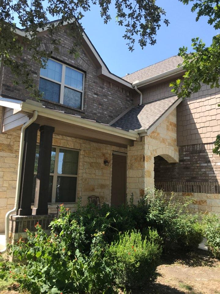 San Antonio, TX - Roof replacement/ GAF Timberline HDZ