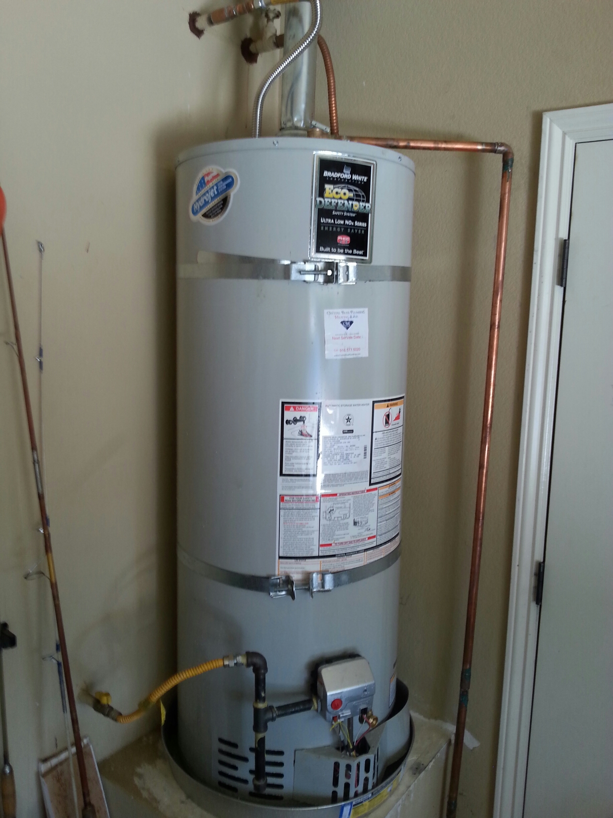 Roseville, CA - Roseville water heater repair on hot water supply. Plumbing fix an Bradford white water heater us working perfect.