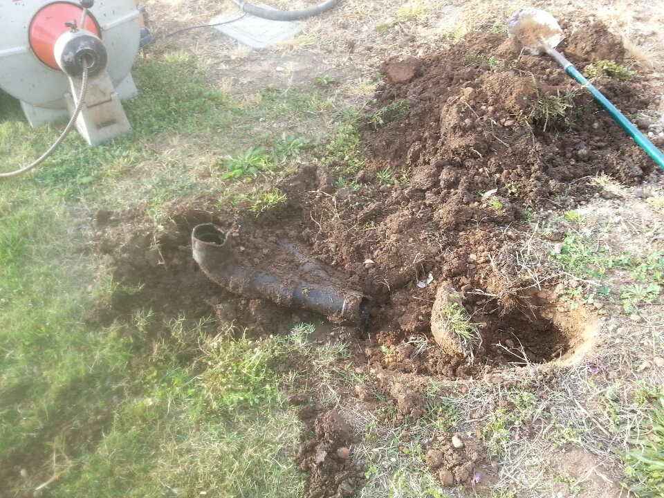 Plumbing Sheridan. Sheridan plumbing. Camera existing sewer line and locate broken section.