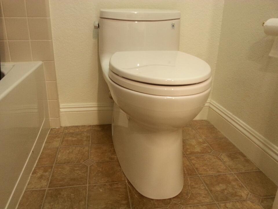 Granite Bay, CA - Granite Bay plumbing. Plumbing Granite Bay. Inspect existing toilet under warranty and repair.