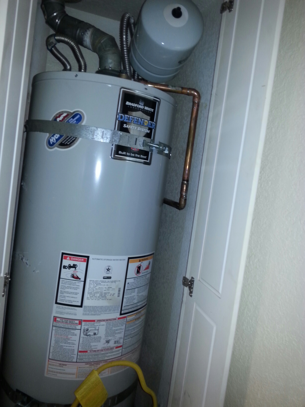 Rocklin, CA - Rocklin water heater replacement Plumbing new 40 gallon bradford White Water Heater
