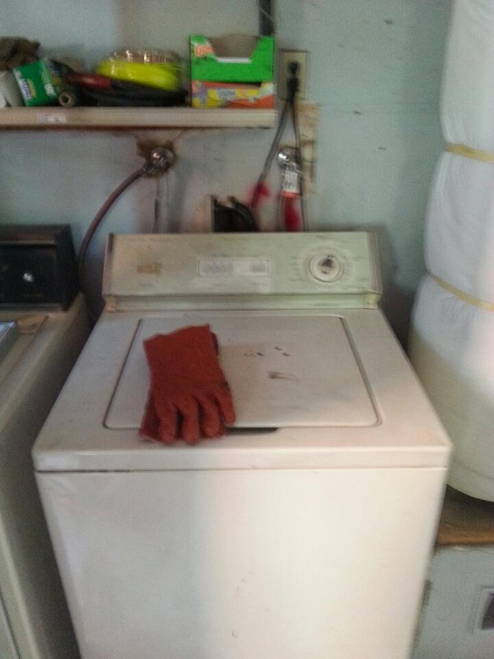 Roseville, CA - Laundry kitchen line backed up Roseville