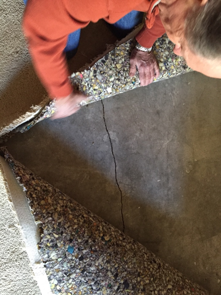 Gold River, CA - Gold River leak detection home slab moisture located in concrete crack in foundation