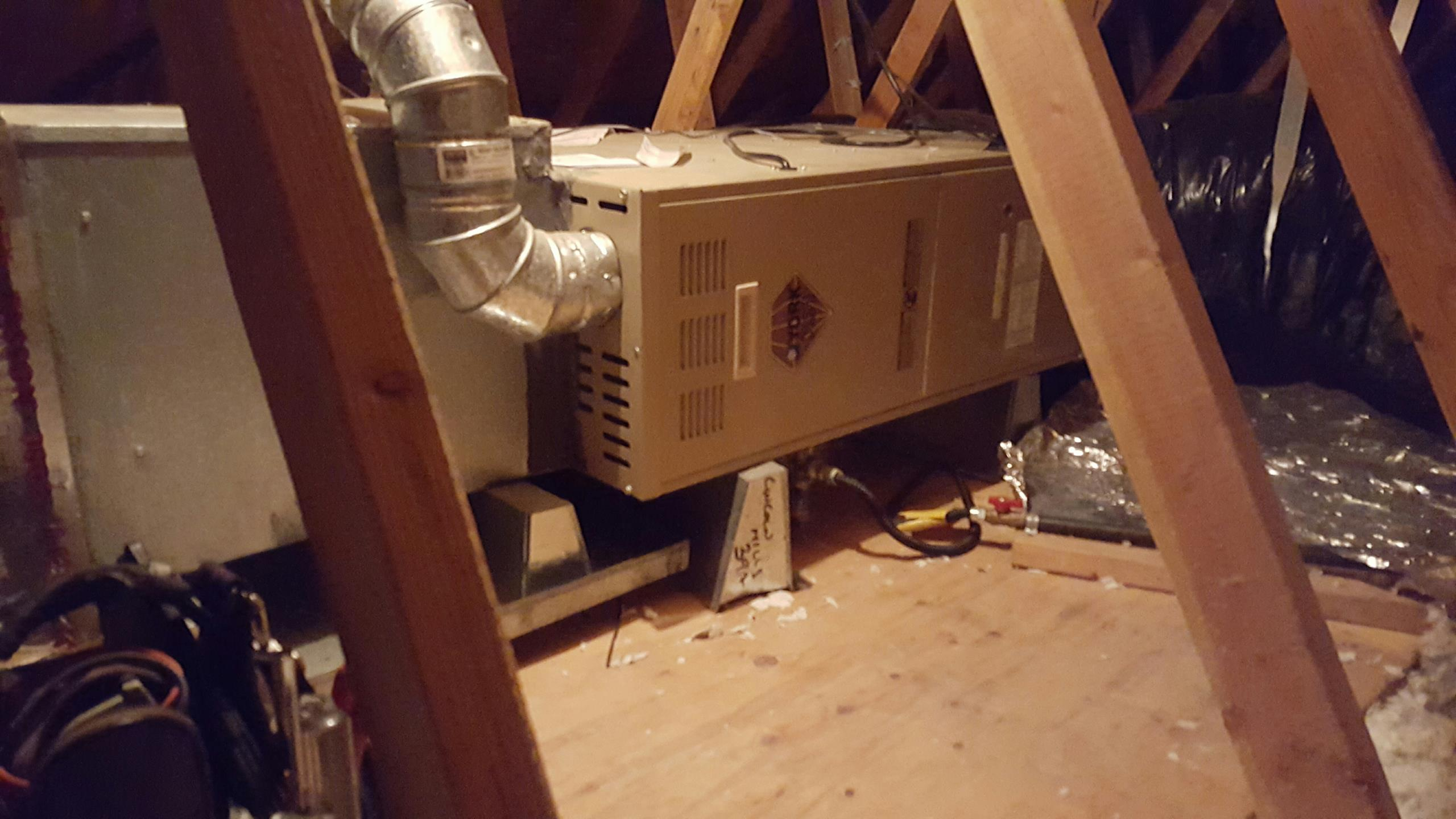 Lincoln, CA - Lincoln California AC heating service replace capacitor and adjust gas pressure on York Furnace