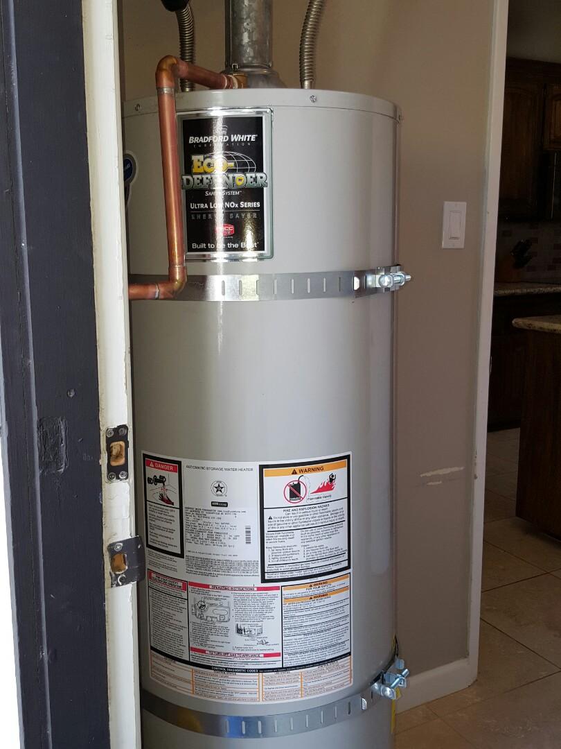 Sacramento, CA -  Sacramento Plumbing install Bradford White 40 gallon natural gas water
