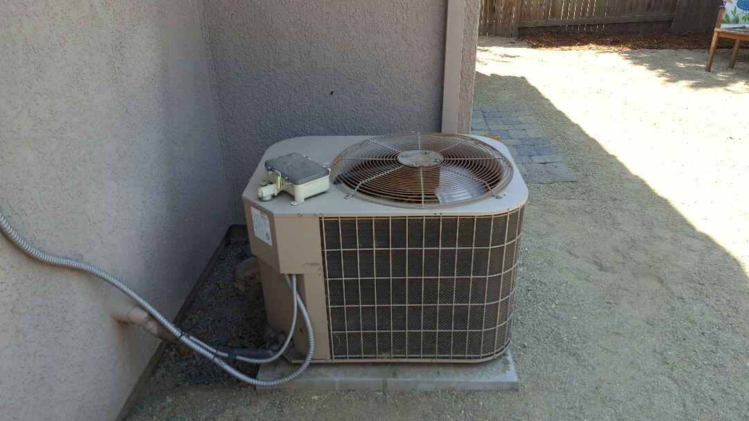 Elk Grove, CA - Elk Grove California heating ac service York condenser diagnostic found system low on refrigerant caused by leaking valve stems replace valve stems and charge system to manufacture specs with R22 refrigerant